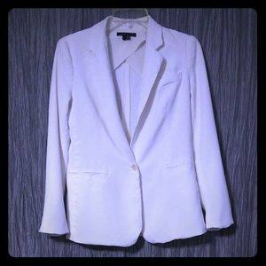 Theory white size 4 blazer.